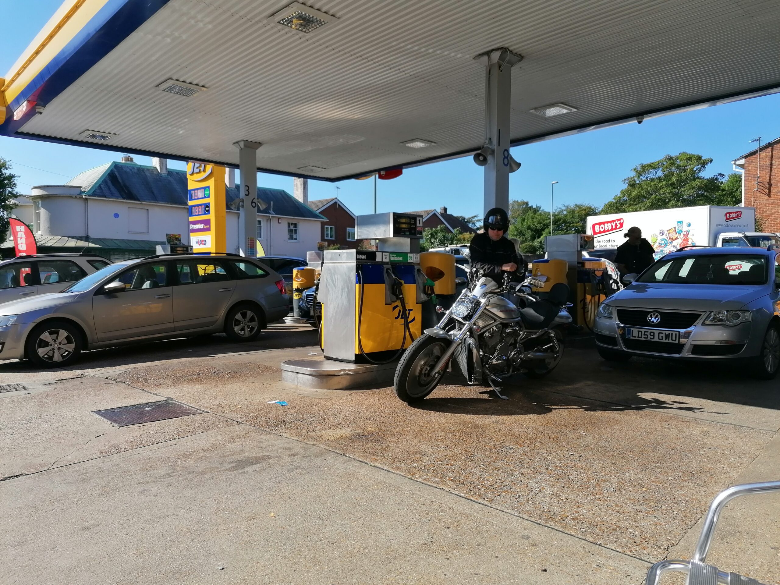 Queues at the petrol station in Emsworth